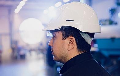 Man-with-helmet-ear-blog-2